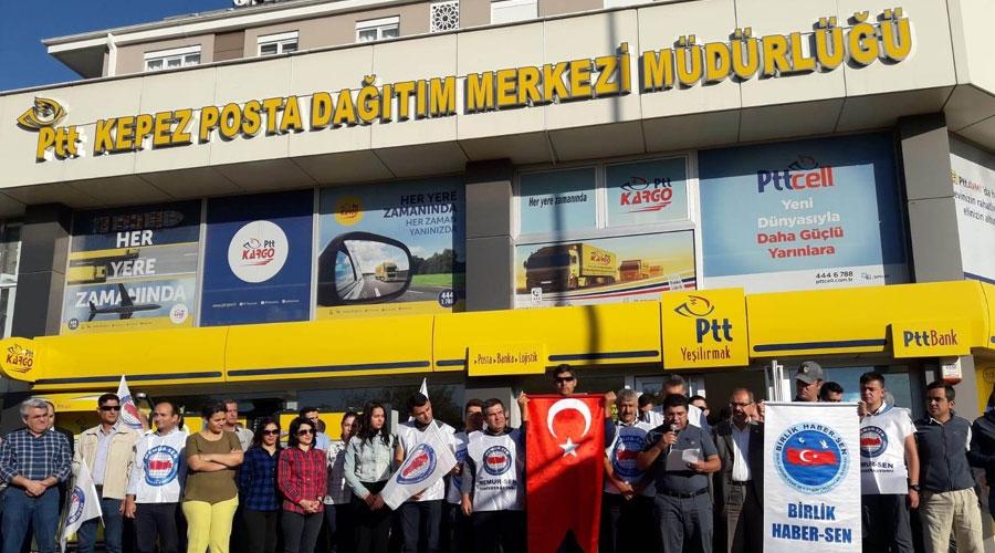 PTT önünde gelir vergisi protestosu